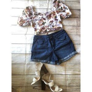 Floral puffed sleeve ruched crop top